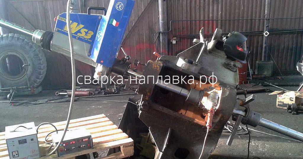 Восстановительный ремонт отверстий полурамы погрузчика расточно-наплавочным комплексом